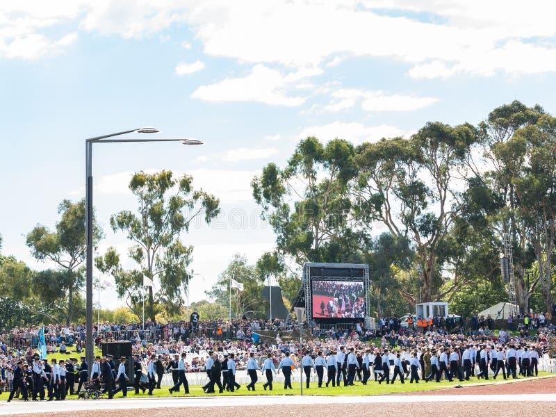 """CANBERRA, AUSTRALIA †""""Kwiecień 25, 2019: Kontyngent wmarsz przy Anzac dnia Krajową ceremonią trzymającą dorocznie w Canberra zdjęcie stock"""