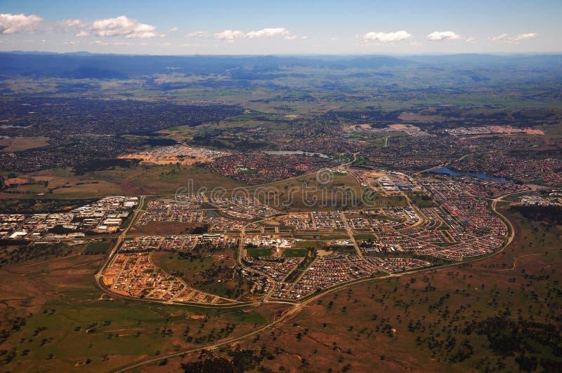 Download Canberra stadsbirdview fotografering för bildbyråer. Bild av fält - 27278013