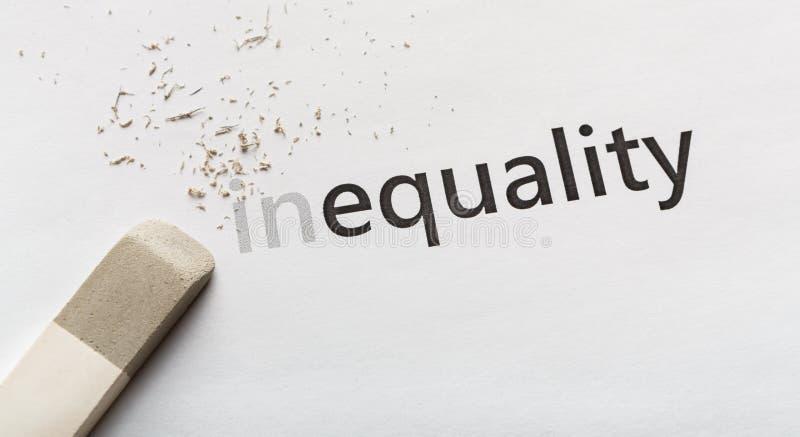Cancelli la parte dentro nella diseguaglianza di parola su fondo bianco immagine stock