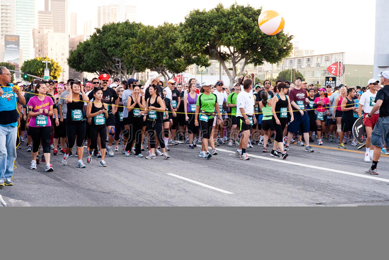 Cancello di Atarting alla maratona di rock-and-roll immagini stock