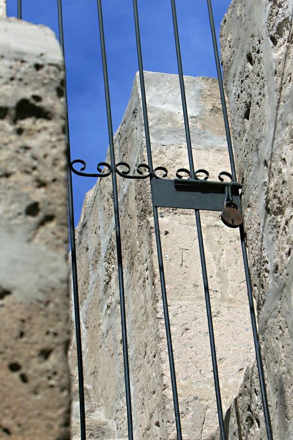 Cancello Locked immagine stock libera da diritti