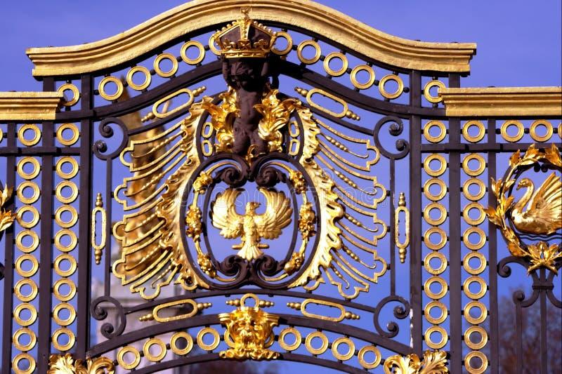 Cancello reale dell'oro, aquila del cherub fotografia stock libera da diritti