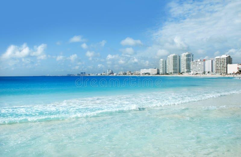 Cancun hotele i wybrzeże fotografia royalty free