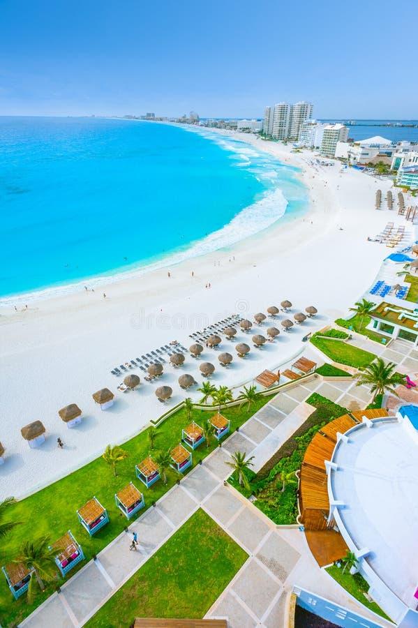 Cancun stränder och hotell royaltyfria foton