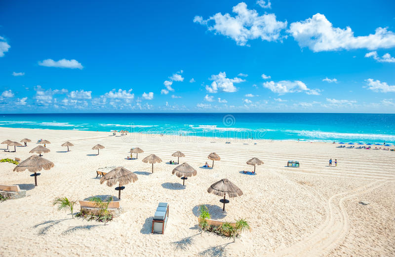 Cancun-Strandpanorama, Mexiko lizenzfreie stockbilder