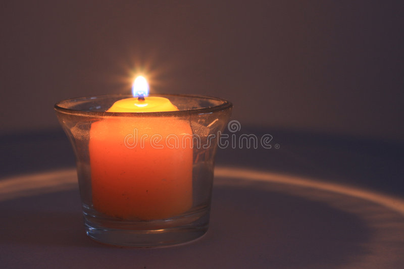 Download Candela Burning immagine stock. Immagine di distendasi - 7316725