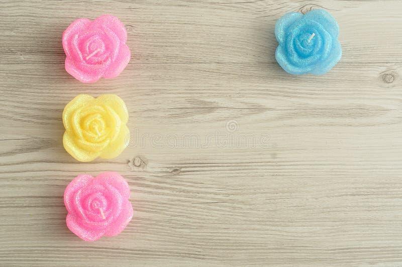 Candela sotto forma delle rose fotografie stock libere da diritti