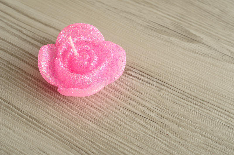 Candela sotto forma di una rosa fotografie stock libere da diritti