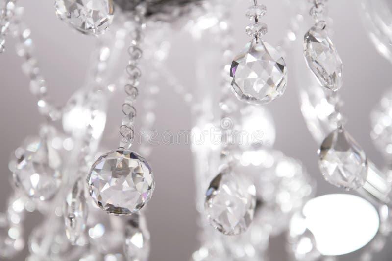 Candelabro de cristal contemporâneo. fotos de stock royalty free