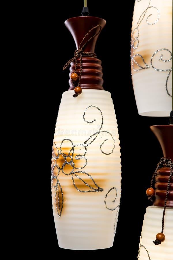 Candelabro moderno com projeto da flor para a cozinha isolada no fundo preto Detalhes de candelabro imagens de stock royalty free