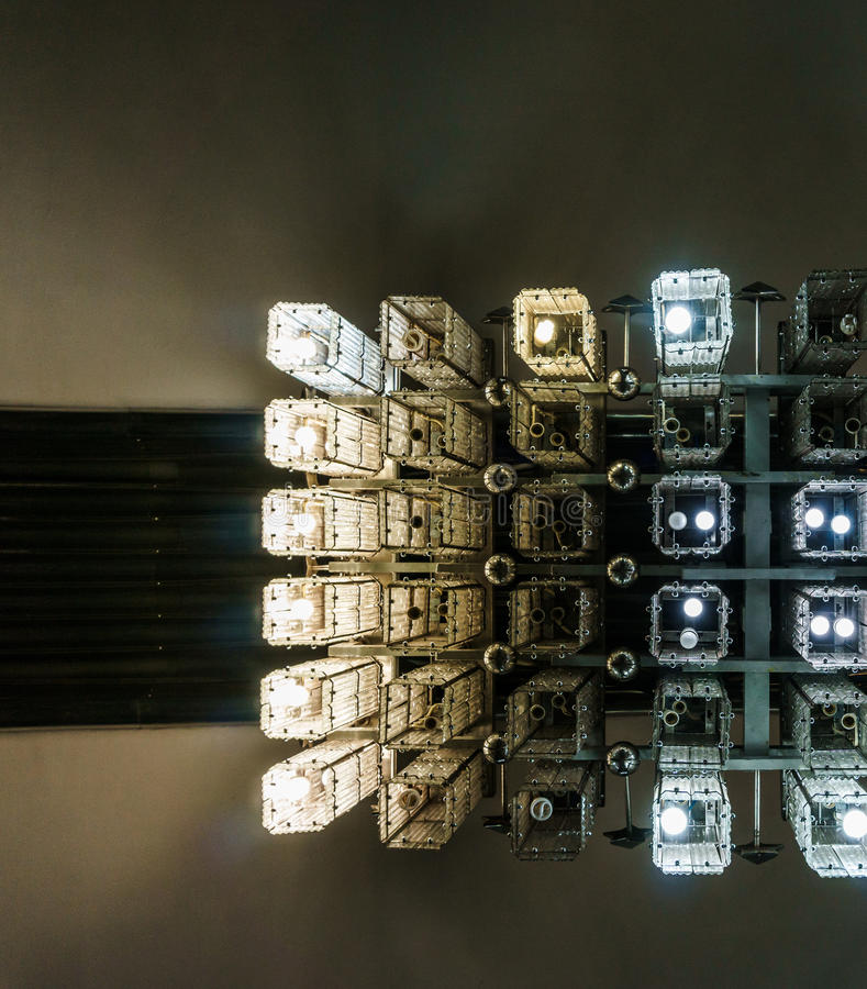 Candelabro moderno, uma vista inferior, abstrata Fundo, teste padrão foto de stock