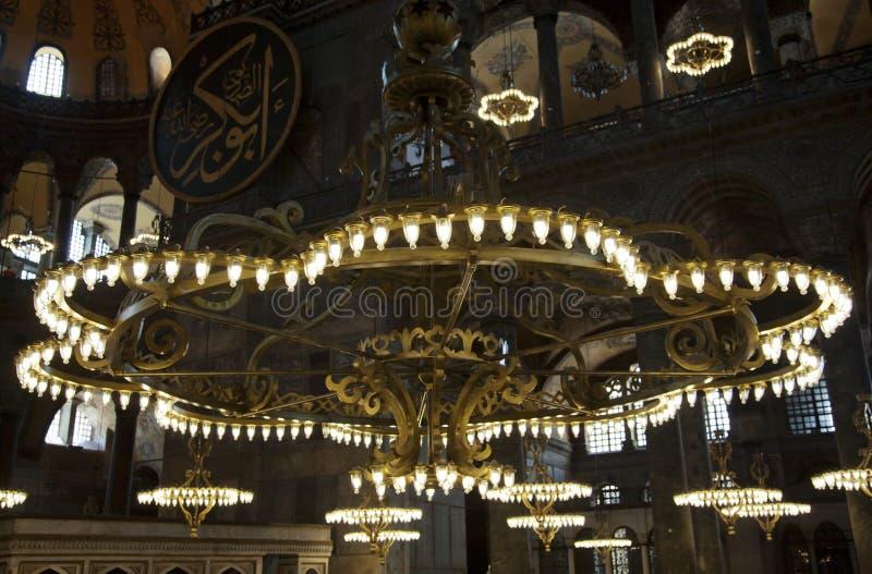 Candelabros em Haggia Sophia Istambul imagem de stock