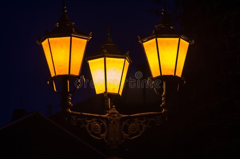 Candelabros, luz de calle imagen de archivo