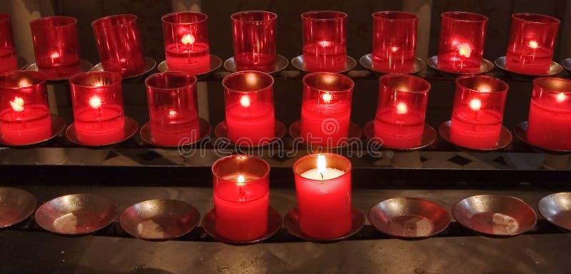 Download Candele Burning fotografia stock. Immagine di illuminazione - 7321016