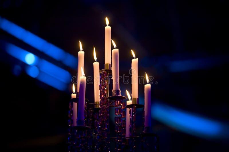 Candele dei lampadari fotografia stock