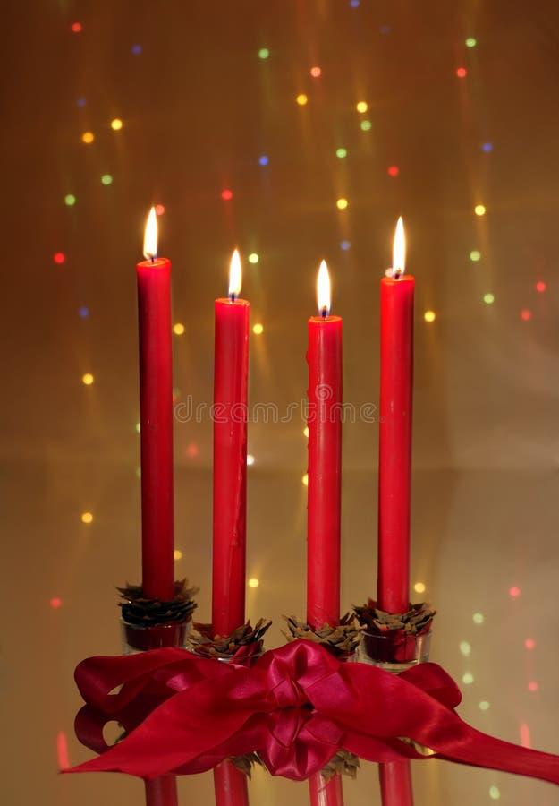 Download Candele Di Colore Rosso Di Natale Fotografia Stock - Immagine di decorazione, neve: 3875822