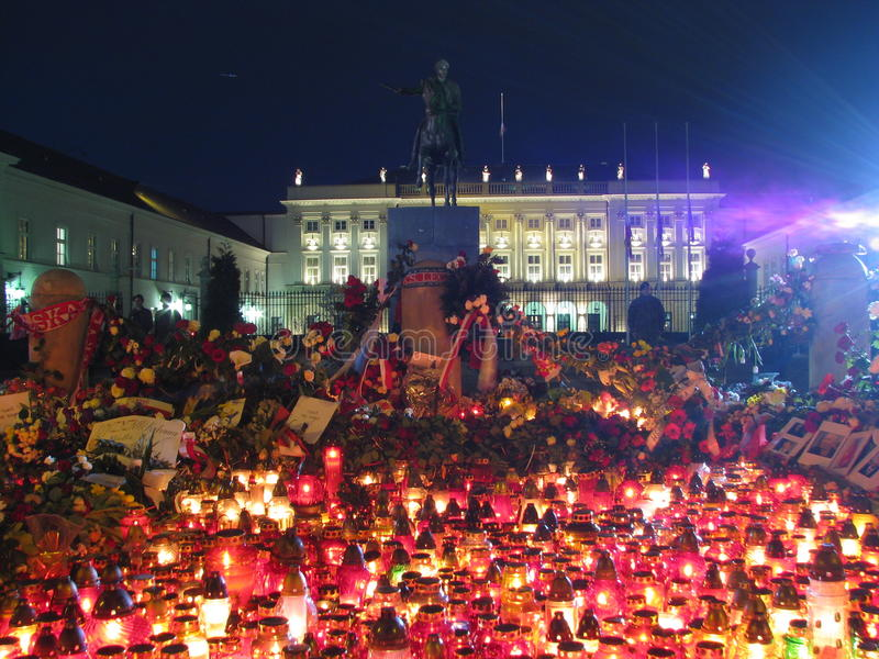 Candele a Varsavia (palazzo presidenziale) immagine stock
