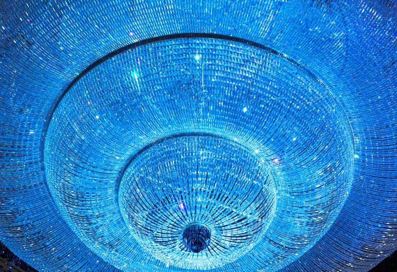 Candeliere a cristallo brillante fotografie stock libere da diritti