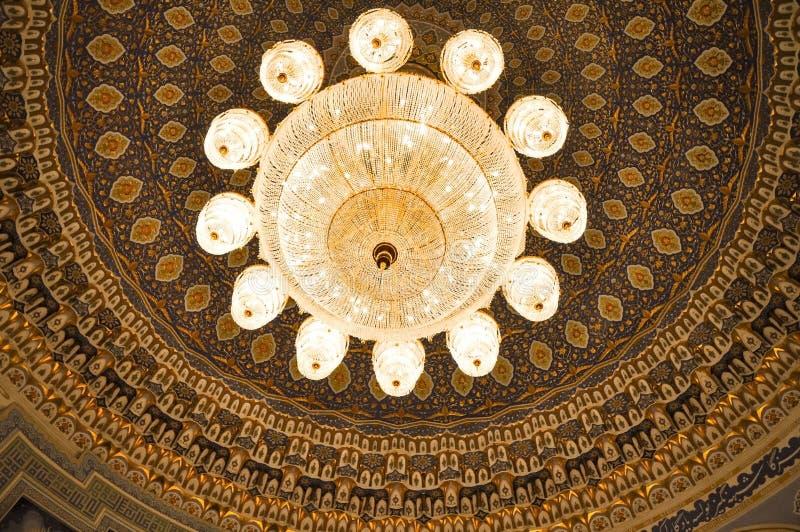 Candeliere a cristallo del museo dello stato di storia di Timurids, Tashke immagini stock