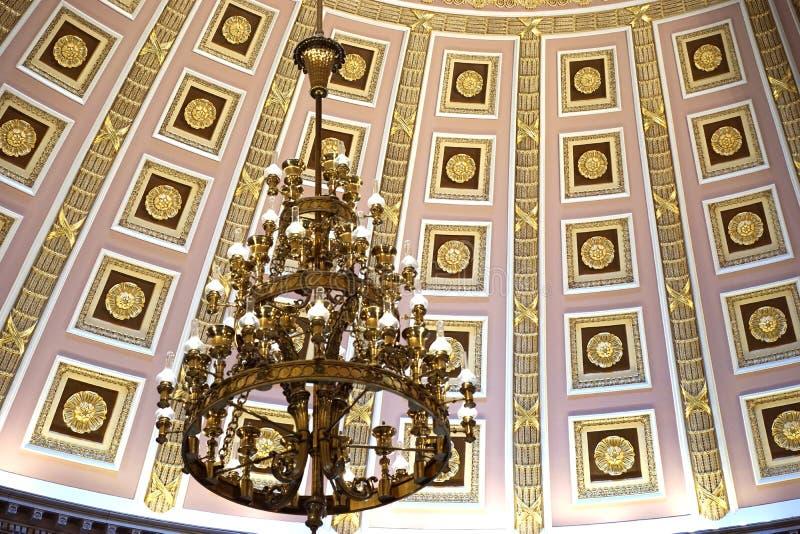 Candeliere d'annata nella cupola del Campidoglio degli Stati Uniti immagini stock libere da diritti