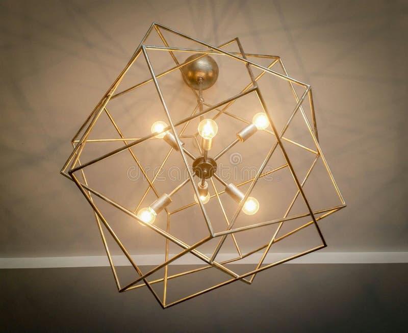 Candeliere industriale delle lampade fotografia stock libera da diritti