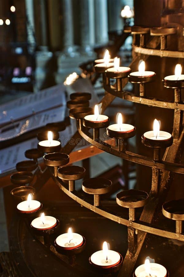 Candels della chiesa immagini stock