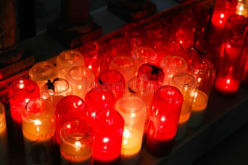 Candels na basílica de Sacre Coeur, Paris foto de stock royalty free