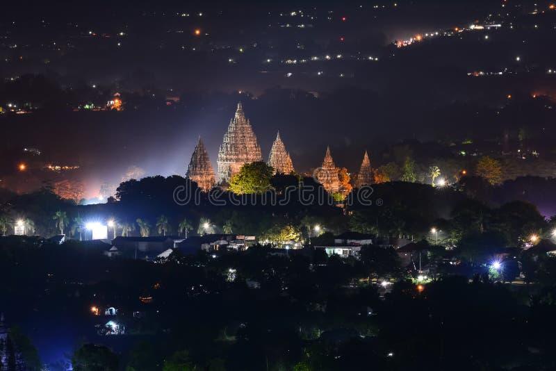 Candi Prambanan ist der größte hindische Tempel in Indonesien lizenzfreies stockbild