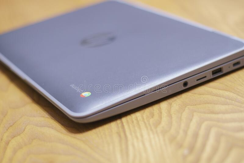 Candid Chromebook,Logo,聚焦 免版税库存照片