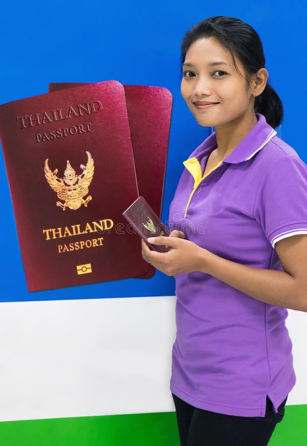 Candidato bem sucedido para um passaporte imagem de stock royalty free