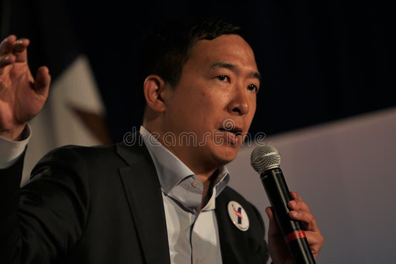 Candidato presidencial Andrew Yang fotos de stock