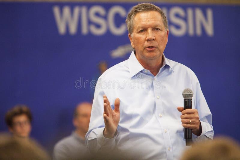 Candidato presidencial republicano John Kasich Madison, Wisconsin imagen de archivo