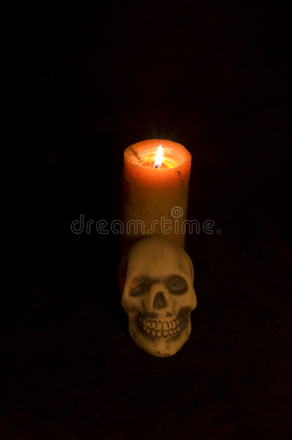Free Candle And Skull (voodoo) Stock Images - 6208084