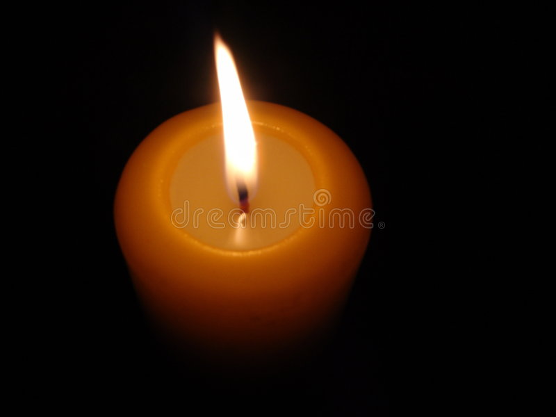 Download Candle4 brûlant image stock. Image du flamme, obscur, rouge - 51207