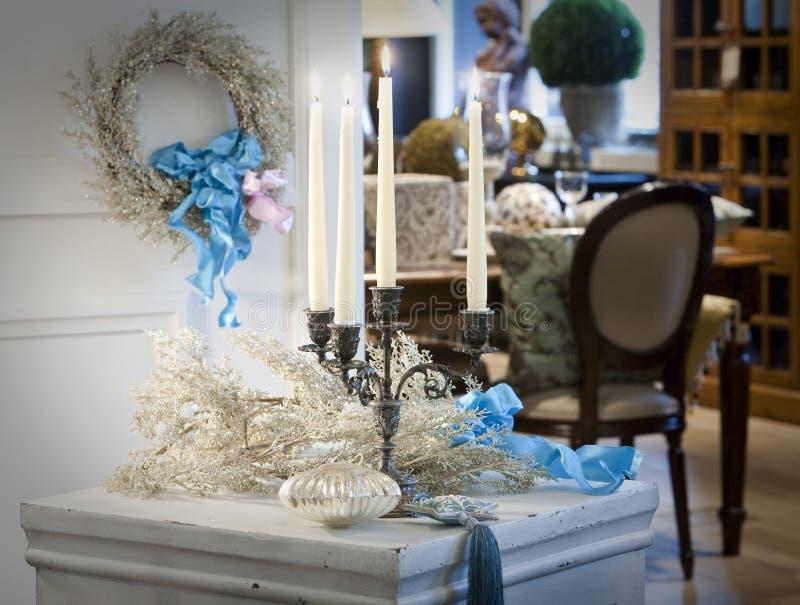 candleholder dekorujący dresser biel obrazy royalty free
