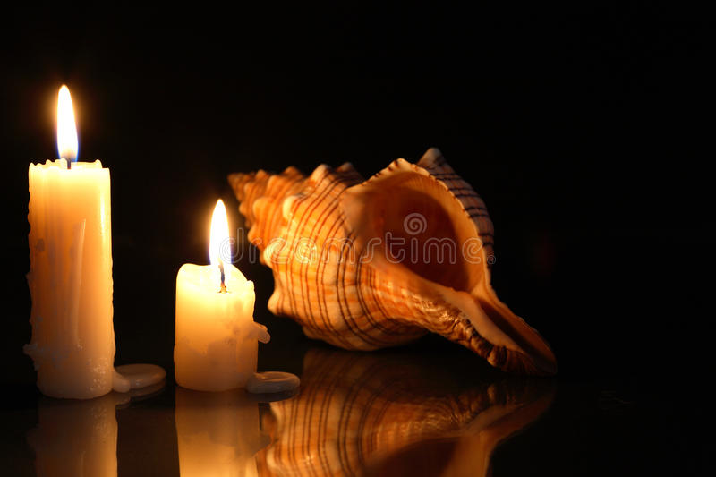Candles And Shell Royalty Free Stock Image