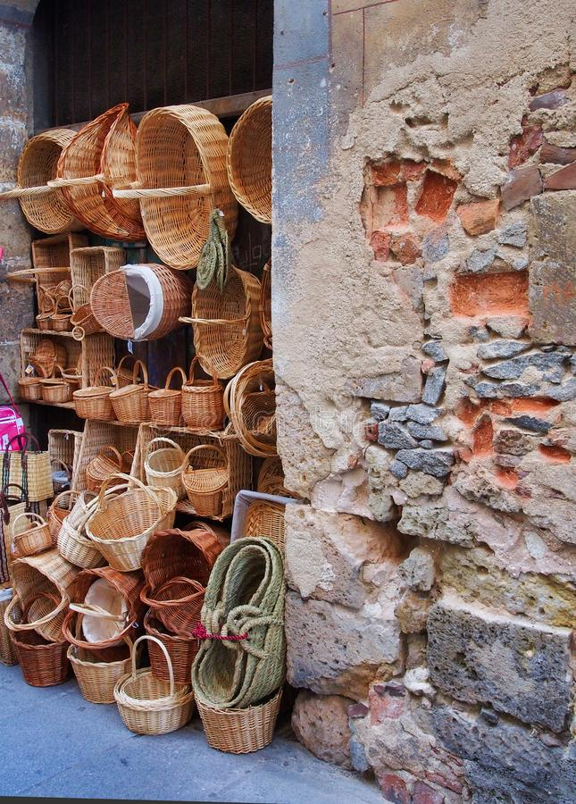 Cane Basket Shop, Segovia histórico, Espanha fotos de stock royalty free