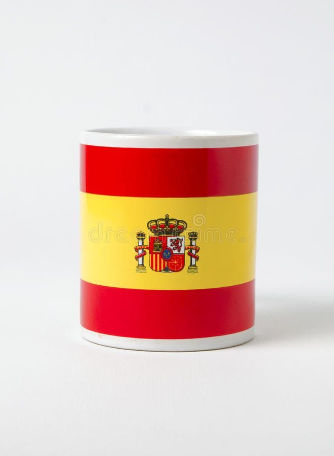 Caneca cerâmica que caracteriza a bandeira de Spain imagem de stock