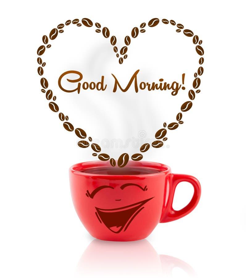 A caneca de café com feijões de café deu forma ao coração com sinal do bom dia fotografia de stock royalty free
