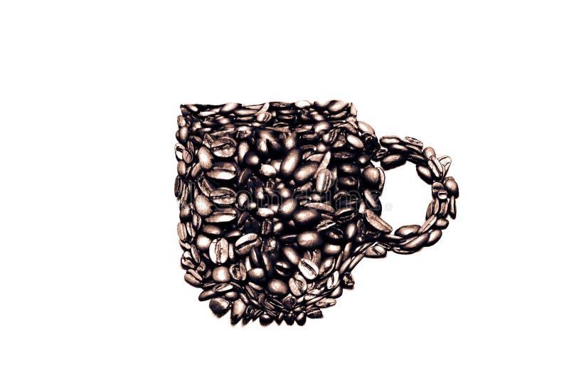 Caneca de café feita dos feijões de café, B&W foto de stock