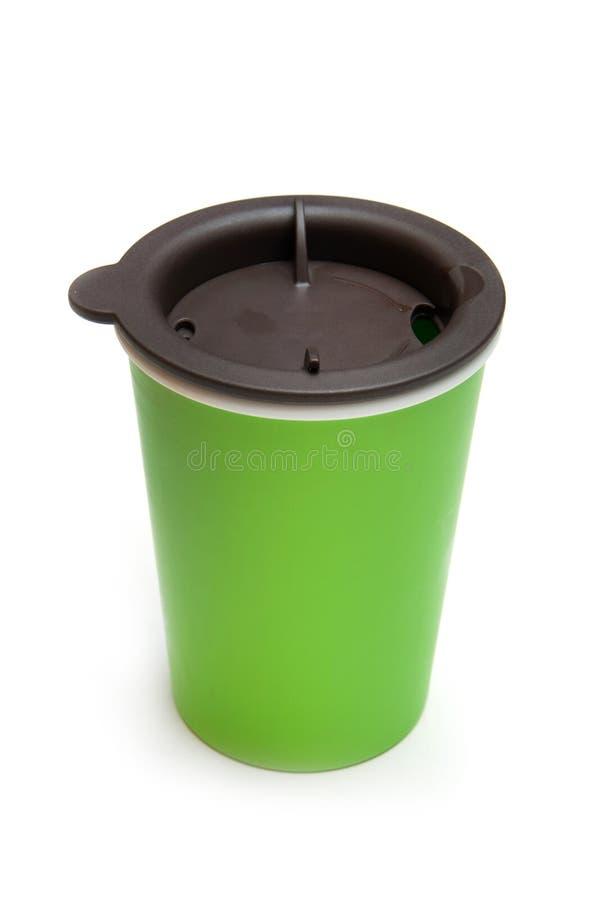 Caneca de café para viagem da cor verde fotografia de stock royalty free