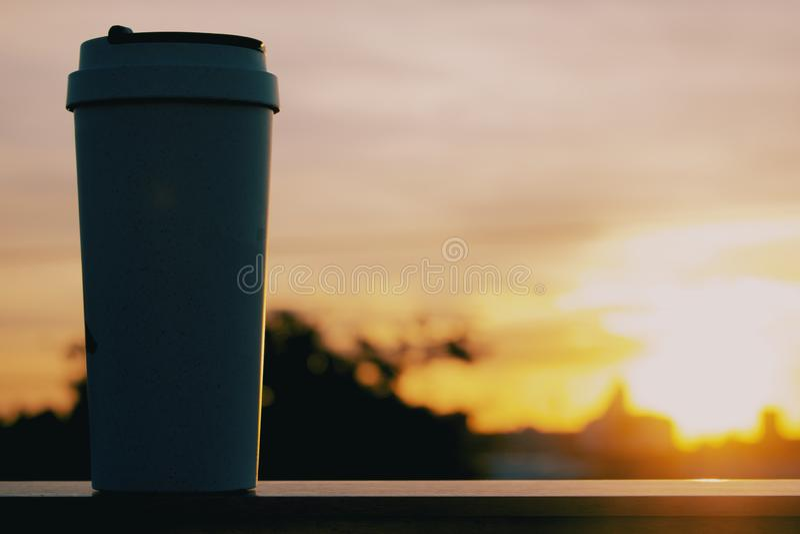 Caneca de caf? da reutiliza??o imagem de stock royalty free