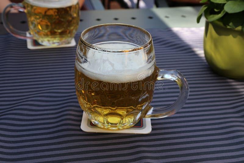 Caneca de cerveja clara fotos de stock royalty free