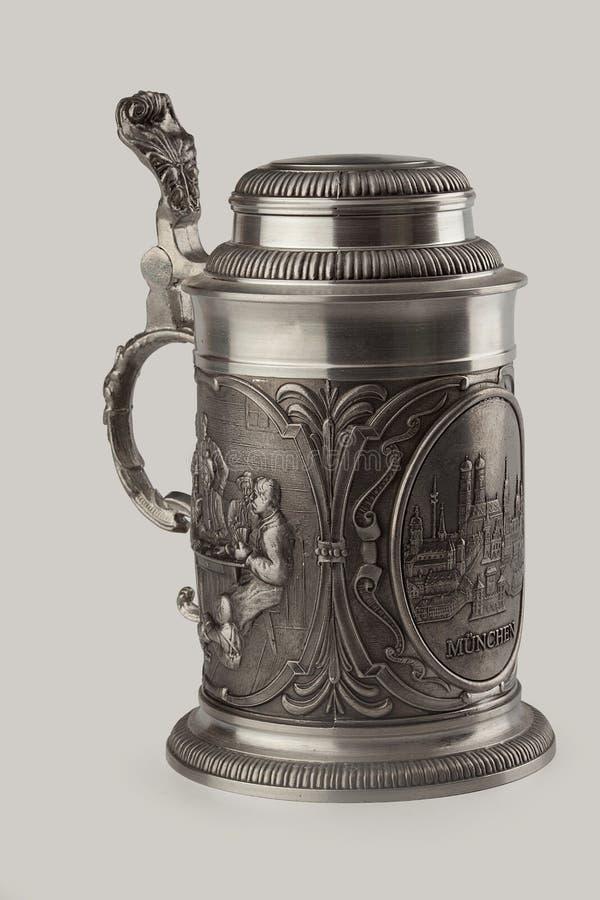 Caneca de cerveja do metal imagem de stock royalty free