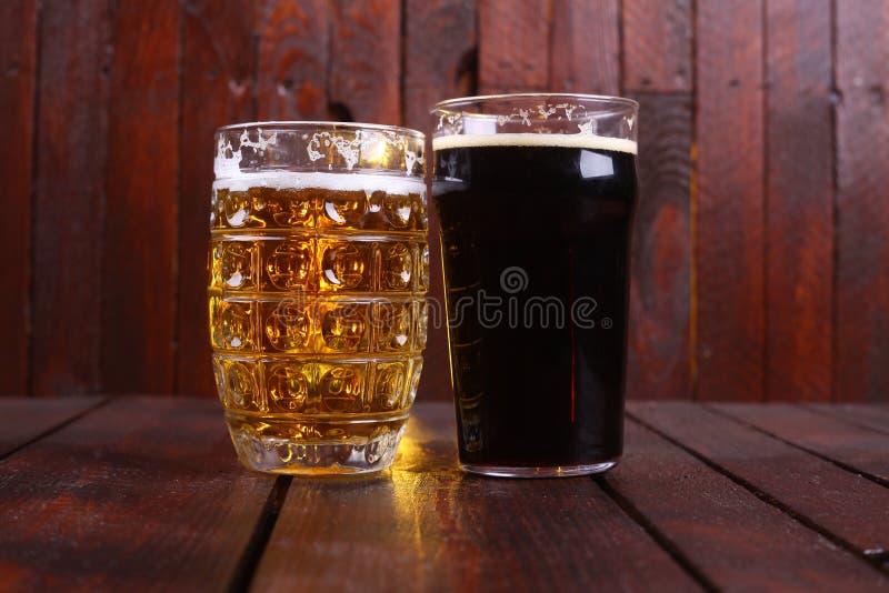 Caneca e pinta da cerveja imagem de stock royalty free