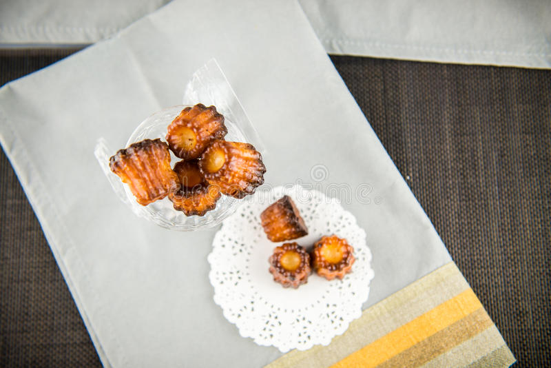 Canelé французского печенья стоковые изображения