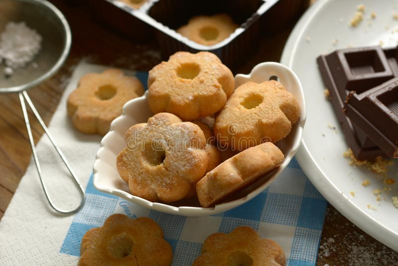 Canestrelli kakor i den vita bunken - tradition av italiensk pas arkivfoto