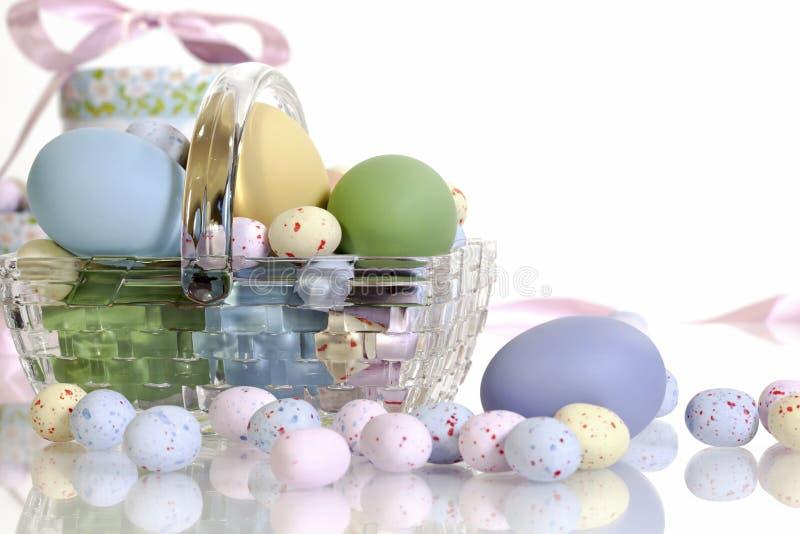 Canestro di vetro di Pasqua immagine stock
