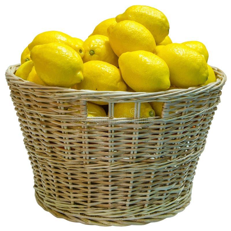 Canestro di vimini isolato in pieno del limone immagine stock