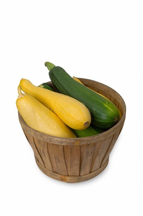 Canestro di vimini di zucchina immagini stock libere da diritti